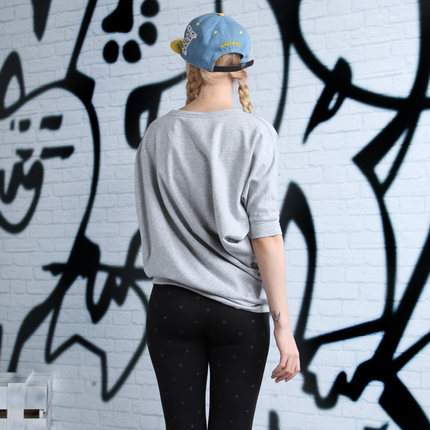 a02 2014 fashion genuine counter asymmetrical , simple and stylish women sweater | D1P1B0901KT